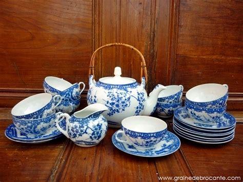 table cuisine bar service à thé japonais bleu et blanc