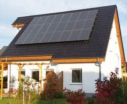 Perfektes Duo Solarcarport Und Elektroauto by Solaranlage In Hybridtechnik Strom Und W 228 Rme Im