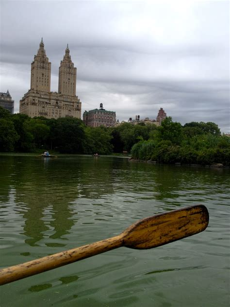 Boat Rental Nyc Cheap by Missa The Staycation Rowboating In Central Park