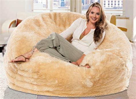 site de canapé le pouf géant un coussin de sol amusant et confortable