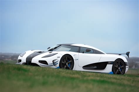 koenigsegg agera blue koenigsegg agera rs1 debuts at 2017 new york auto show