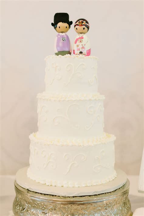 cake topper  traditional korean outfits  classic white