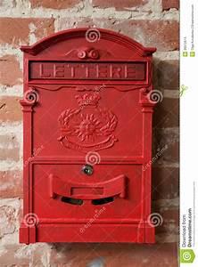 Lettre Metal Vintage : bo te aux lettres rouge en m tal de vintage images stock image 36072874 ~ Teatrodelosmanantiales.com Idées de Décoration