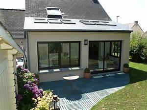 extension maison maconnerie construction services With maison bois toit plat 4 velux toit plat extension 1000x1125 la maison des