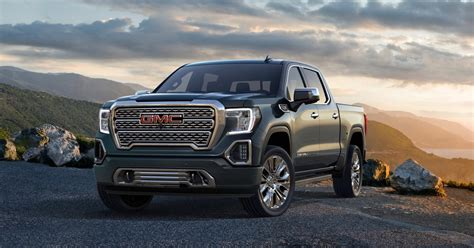 2019 Gmc Sierra Gets Carbon Fiber Pickup Box, More Tech