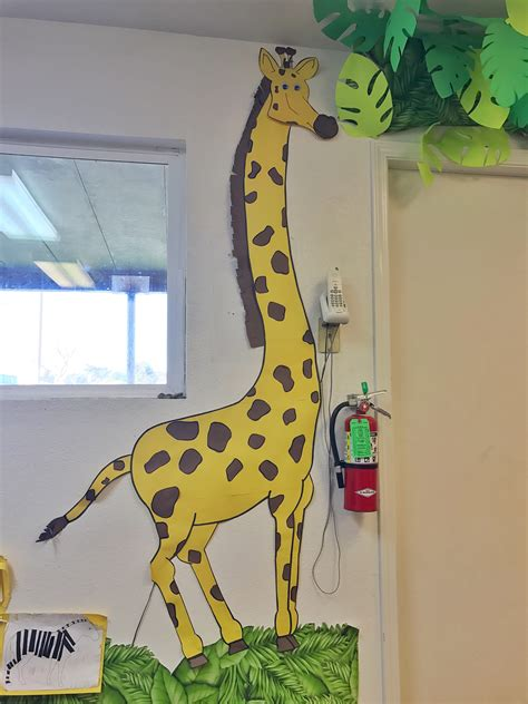 construction paper giraffe jungle theme jungle theme