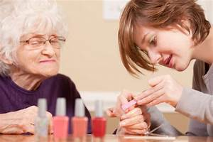 Explore Volunteer Options To Prepare For A Nursing Career