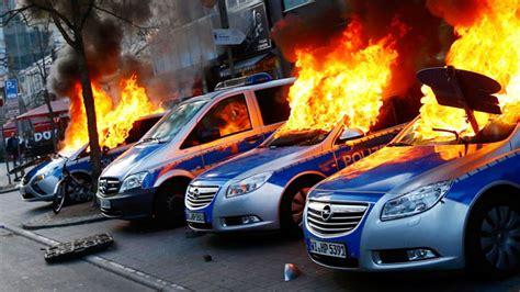 kritik  blockupy organisatoren nach krawallen  frankfurt