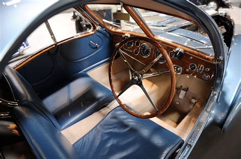 They are regarded as the most valuable cars in the world. Review and Pictures Bugatti 57SC Atlantic 1936 Expensive Classic Cars ~ LUXURY CARS NEVER DIE