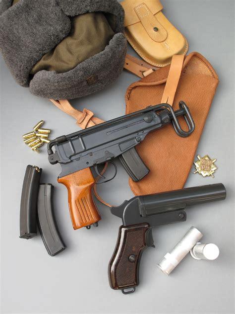 porte de chambre froide essai armes pistolet cz skorpion vz 61 s calibre 7