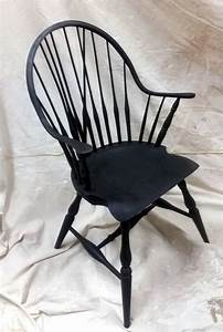 Windsor Continuous Arm Chair