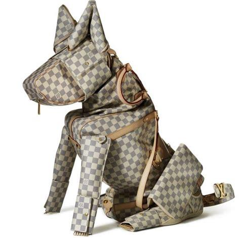 louis vuitton leather goods  wild  fashionable animal sculptures