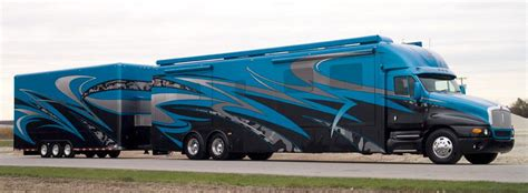 rv custom paint  stripes unlimited collision rv