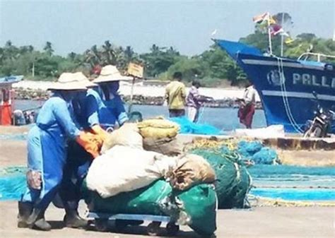 Kerala Fishing Boat Operators Association by How A Kerala Fisherfolk Removed 25 Tonnes Of Plastic Waste