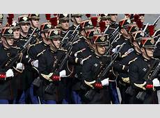 'Intolerable' French presidential guards protest sweaty