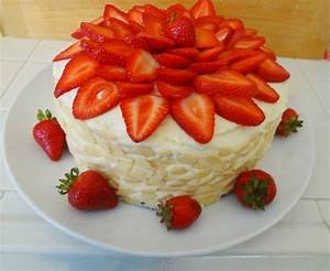 Torte Mit Erdbeeren : torte dekorieren mit erdbeeren 88 beispiele f r torten ~ Lizthompson.info Haus und Dekorationen