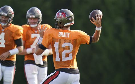 pictures tampa bay buccaneers training camp orlando