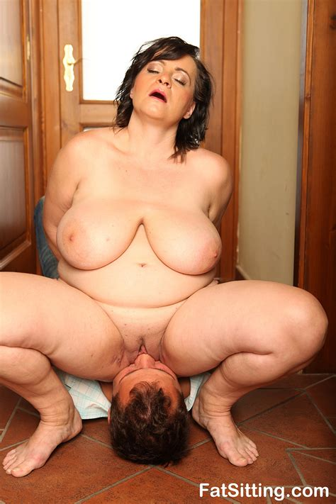 brunette fatty sits on dude face before tak xxx dessert picture 8
