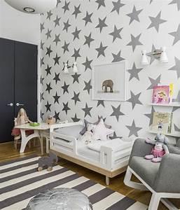 tapeten fur kinderzimmer ideen von den kleinen With balkon teppich mit tapete mit sternen