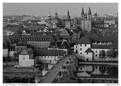 black and white picture photo alte mainbrucke bridge and