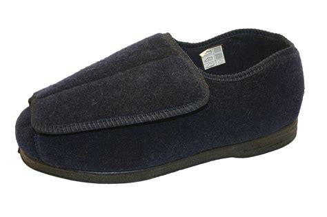 mens bedroom slippers wide mens bedroom shoes wide myideasbedroom