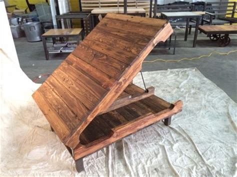 Pallet Coffee Table With Hinged Top