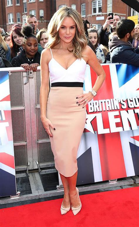 Carpet Black White by Amanda Holden Shows Off Her Ample Assets In Victoria