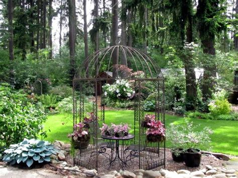 The Gazebo In Front  Picture Of Cottage Lake Gardens Bed