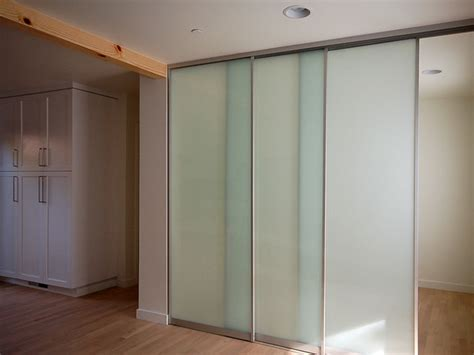 interior sliding doors features of polycarbonate panels for sliding doors