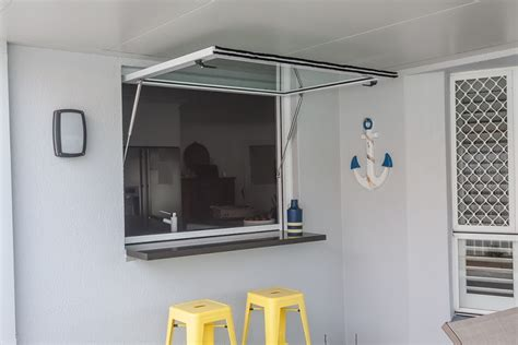 gas strutted awning