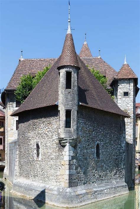 Palais De Lisle French Château