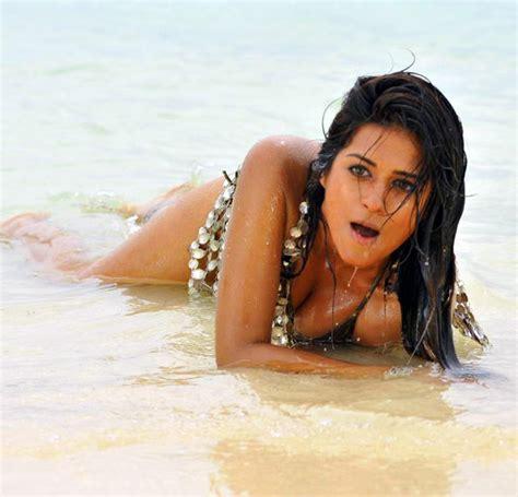 beautiful actress shooting kiss shraddha das hot photo shoot photos shraddha das hot