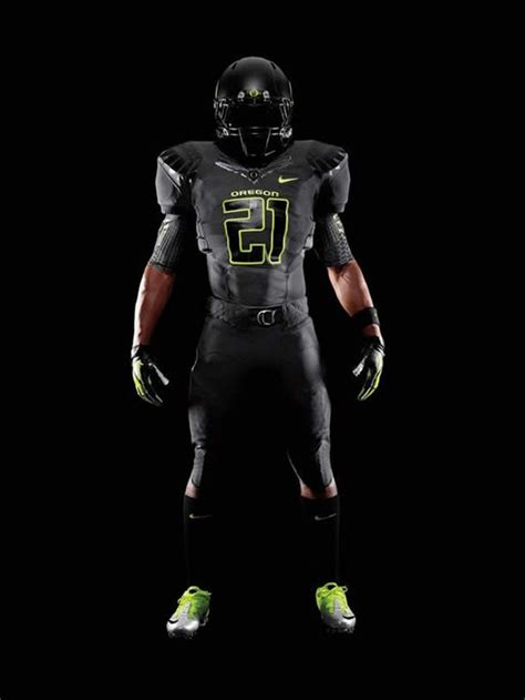 oregon uniforms  lsu game saturday  south