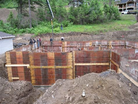 how to form a concrete retaining wall cook forms spokane coeur d alene foundations gate systems concrete concrete retaining