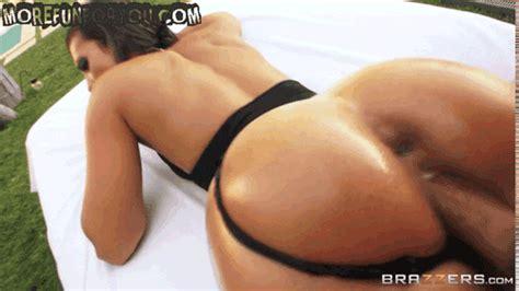 Big Juicy Booty  Of Kelsi Monroe Anal Fucked By Mick Blue