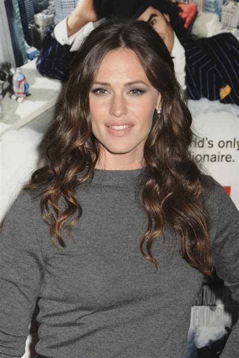 Jennifer Garner Long Curls   Jennifer Garner Hair Looks