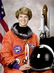 Space Shuttle Commander Eileen Collins, First Woman to ...