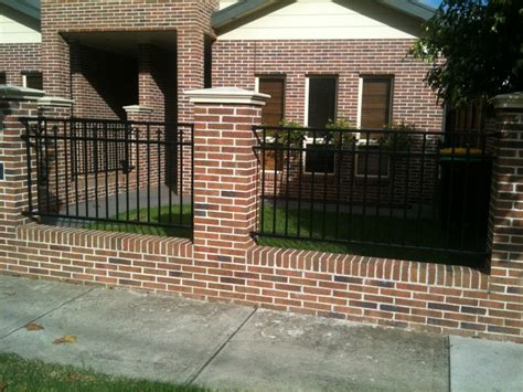 minimalist fence design  create luxury home  ideas