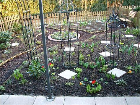 Garten Neu Gestalten Ohne Rasen by Neu Angelegter Reihenhausgarten Ohne Rasen Zuk 252 Nftige
