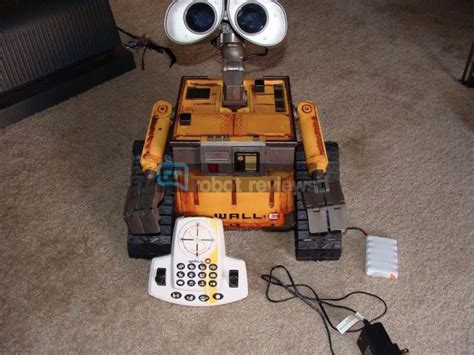 Ultimate Wall-e Review • Robot Reviews