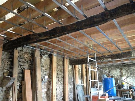 plafond en placo sur rail r 233 aliser un plafond en plaque de pl 226 tre sur rail m 233 tallique bricolerenove fr