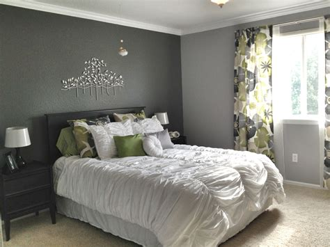 Bedroom Curtains Grey Walls by Grey Master Bedroom Accent Wall Patterned