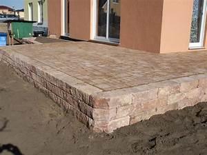 Terrasse holz mit naturstein for Terrasse naturstein