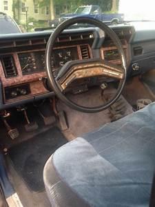 1985 F150 4x4 Ford Lariat Pickup Truck