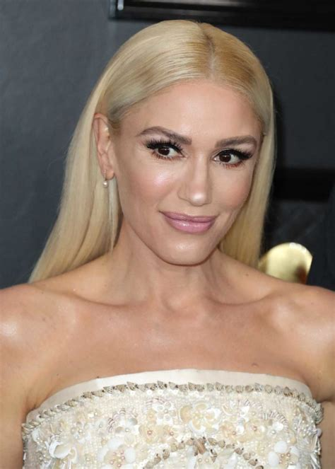 gwen stefani attends   annual grammy awards