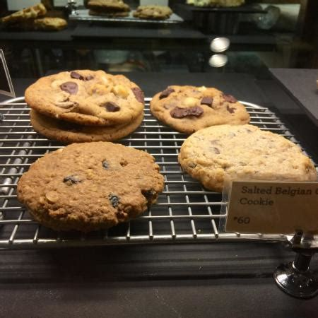 Starbucks drinks menu includes a wide variety of coffee, espresso, frappuccino, tea, refreshers, smoothies, wine, craft beer, and many more. Starbucks, Makati - 6788 Ayala Avenue - Restaurant Reviews, Phone Number & Photos - TripAdvisor