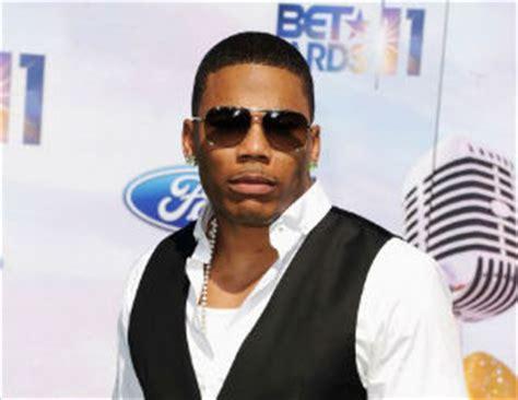 nelly illuminati rapper nelly uses college scholarships to elevate black