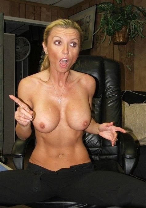 11 In Gallery Milfs Flashing In Public Picture 11