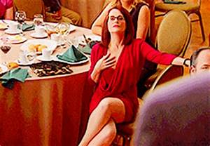 Megan Mullally Page GIF - Find & Share on GIPHY
