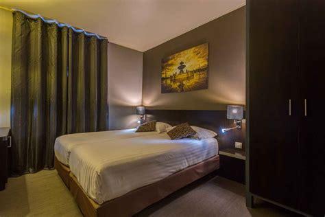chambre deux lits chambre à deux lits